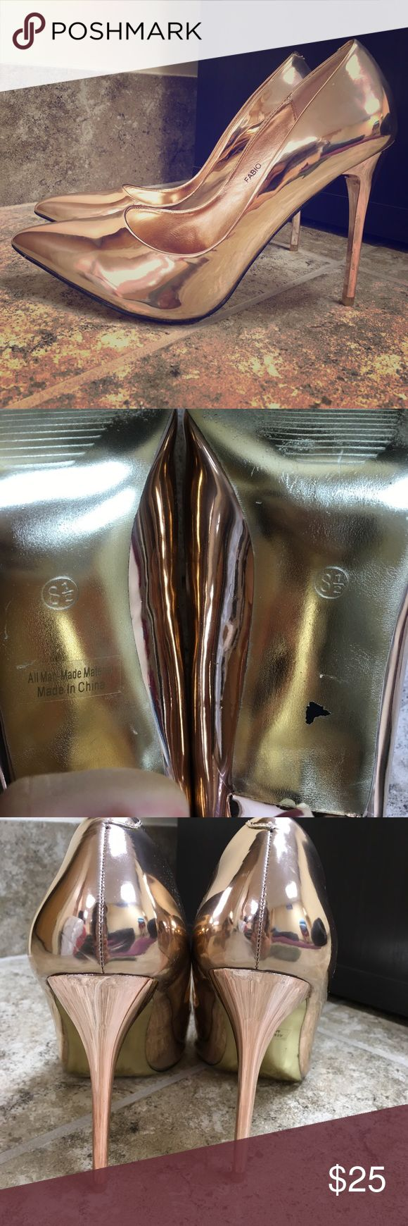 Rose Gold pumps BEAUTIFUL rose gold pumps with a pointed toe! About 4-4.5 inch heel, & size 8.5. I bought them at my local AKIRA, & only wore them once! PRICE IS NEGOTIABLE :) Bella Luna Shoes Heels