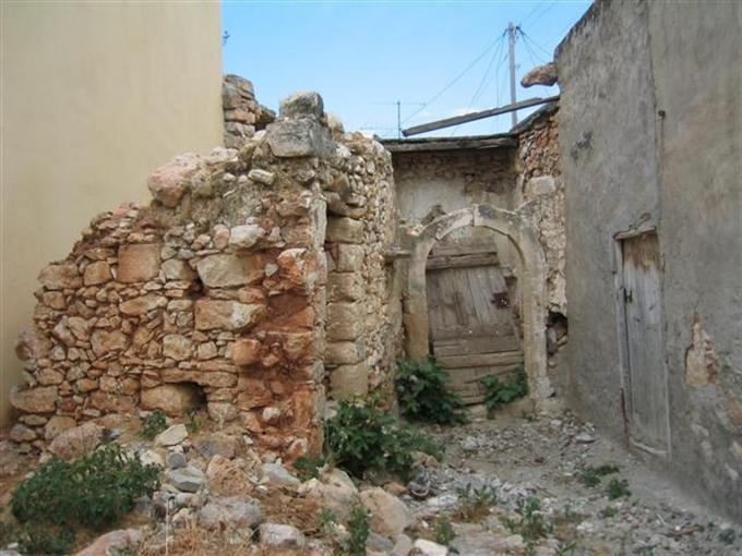 één van de overgebleven en gekoesterde ruines
