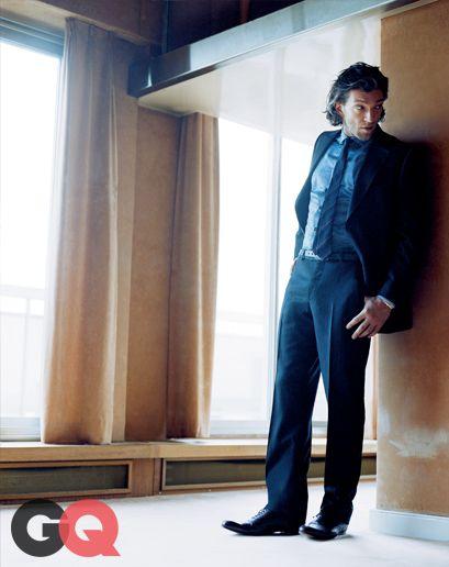 GQ.com: 06.15.15:Blue suit. Blue shirt. Blue tie. Black shoes. Long hair optional..