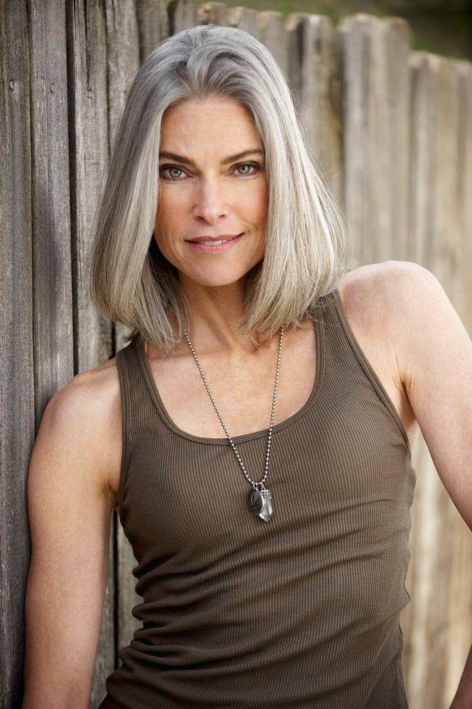 Cheveux gris femme 40 ans
