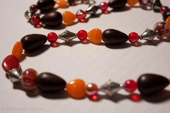 Mrs Bee Wood and Glass beaded Necklace by ElizabethsPearlz on Etsy, $14.69