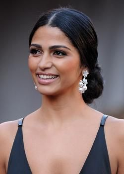 Google Image Result for http://cdn.latina.com/files/imagecache/mobile-main-image/camila_alves_latina_beauty_0301_art.jpg