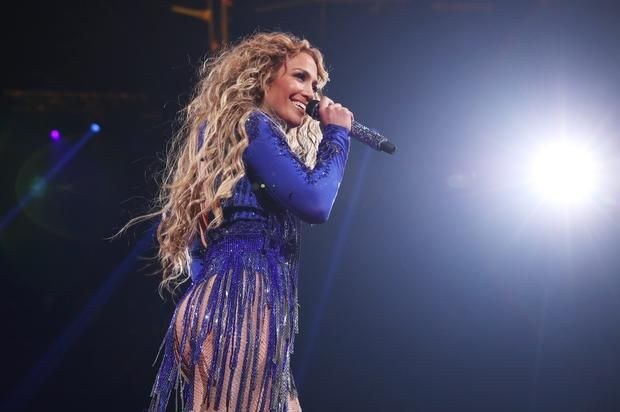 Watch Jennifer Lopez Pay Tribute To Prince At Super Bowl Party No hologram necessary.https://www.hotnewhiphop.com/watch-jennifer-lopez-pay-tribute-to-prince-at-super-bowl-party-news.43314.html Go to Source Autho... http://drwong.live/article/watch-jennifer-lopez-pay-tribute-to-prince-at-super-bowl-party-news-43314-html/