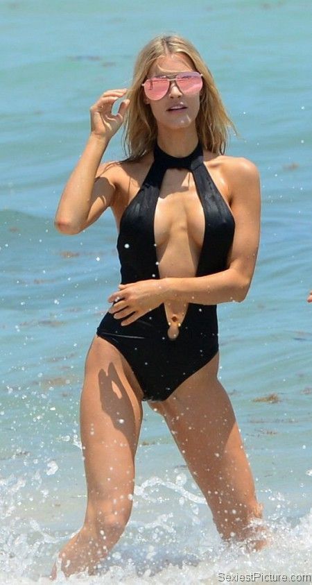 Joy Corrigan sexy bathing suit : Celebrity Leaks Scandals Sex Tapes Naked Celebrities
