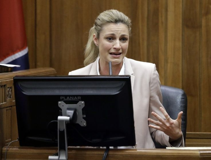 Defense in Erin Andrews lawsuit says peephole video was good for her career