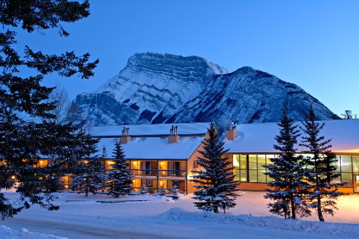 Looking for an affordable and perfect spot family ski vacation? You can never go wong with Douglas Fir Resort at Banff! Book now and get your 5th night stay for FREE!