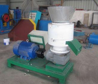 Pellettatrice: cuore dell'impianto, realmente la macchina che trasforma la polvere di legno in un cilindro da 6/8  mm