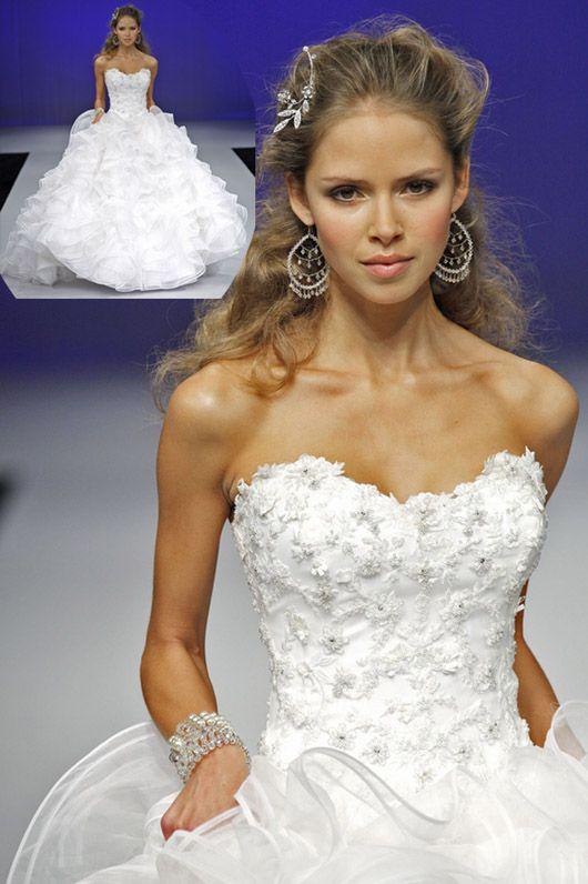 Quelle coiffure de mariee avec une robe bustier