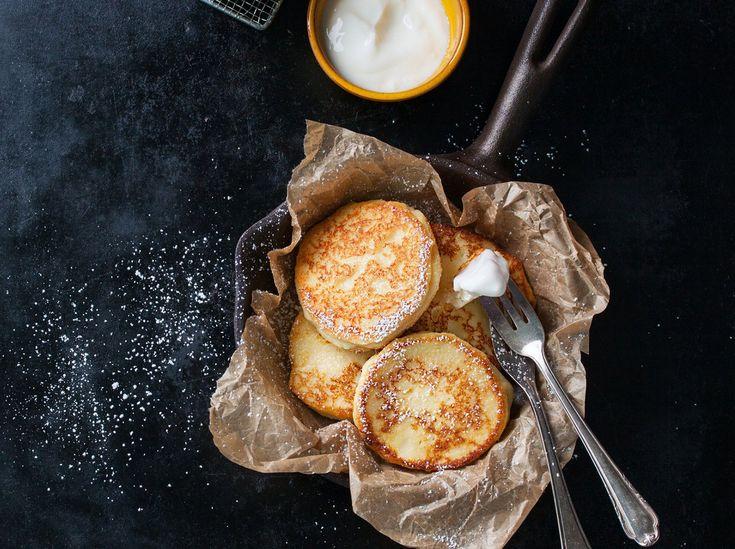 Quark- und Haferflocken-Pfannkuchen liefern wertvolles Eiweiß und Ballaststoffe   – Kochen & Backen