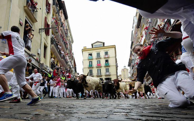 "In photos: 2017 San Fermín, running of the bulls festival ""In photos: 2017 San Fermín, running of the bulls festival"" In photos: 2017 San Fermín, running of the bulls festival http://jogwag.com/?p=4984"