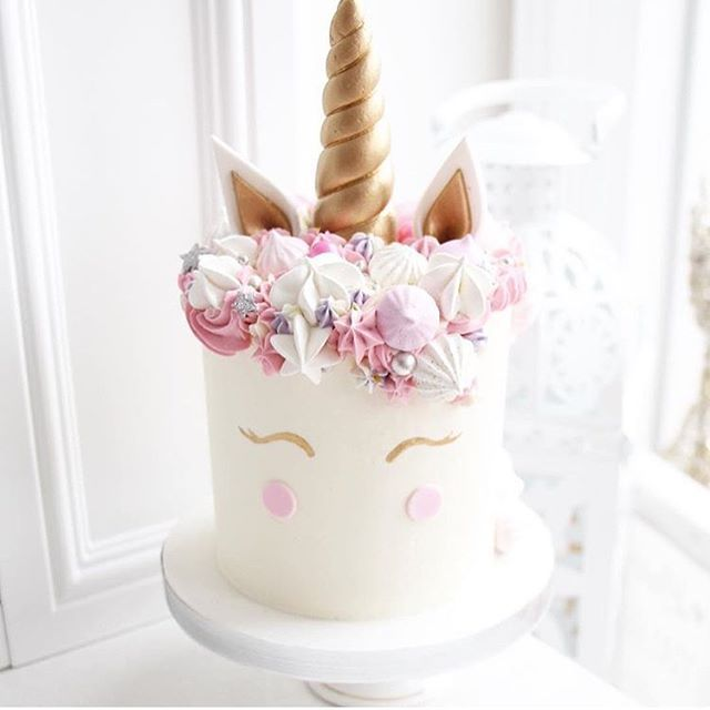 Obsessed with these cakes lol pinterest // @indiaphelanboyd