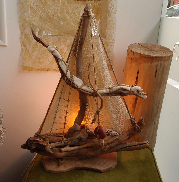επιτραπέζιο φωτιστικό καράβι από θαλασσόξυλα..διαστ. 50Χ60cm..