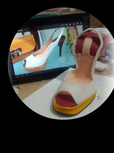 Sandalo. High heel shoe.