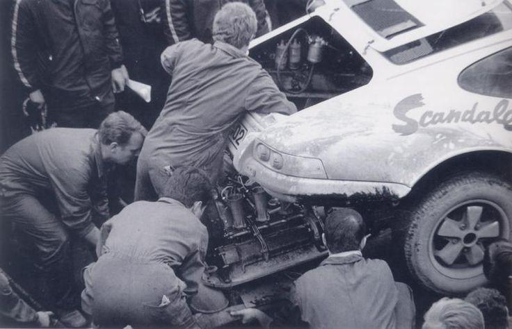 1969 Lyon Charbonnières - Stuttgart Solitude / Gerard Larrousse - Ginette Derolland. The car is a 911R