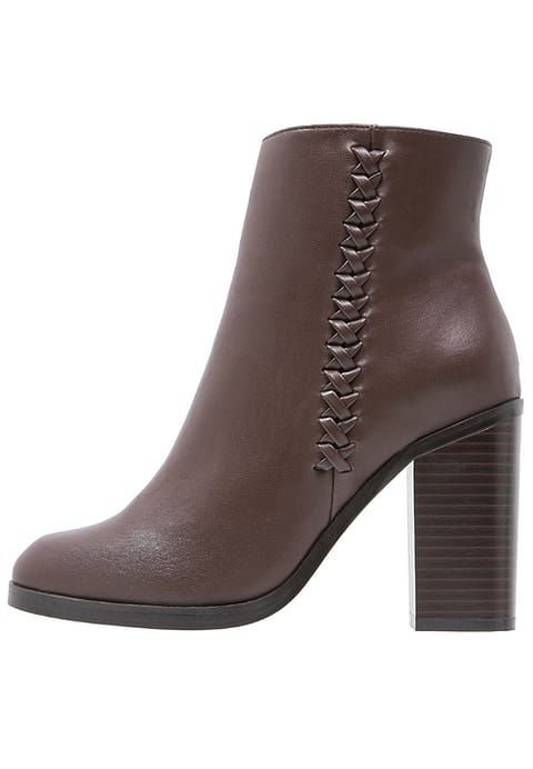 Bottines dark brown. Talons hauts Anna Field