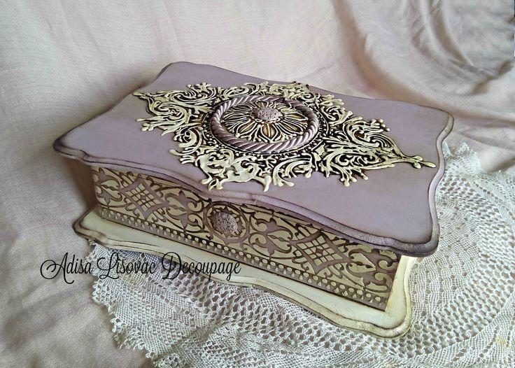 vintage lavander antique shabby chic jewlery box by Adisa Lisovac decoupage