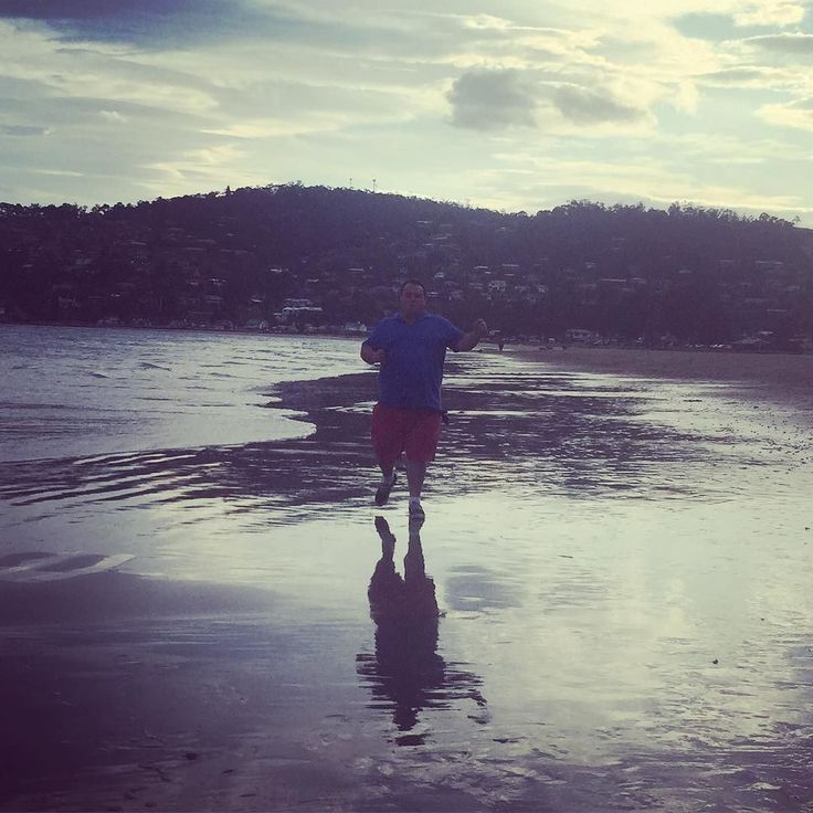 Walk along the beach #kingstonbeach #hobart #saturday