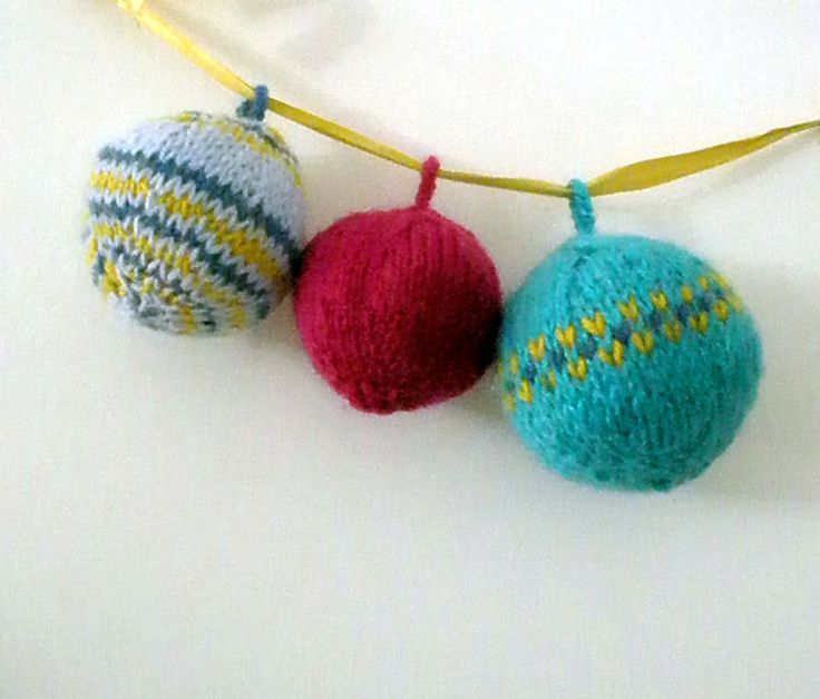Palline di Natale di lana   Le palline di Natale in lana   Foto