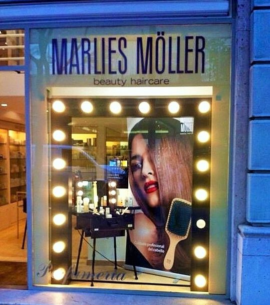Escaparate MARLIES MÖLLER, cosmética para tu cabello.