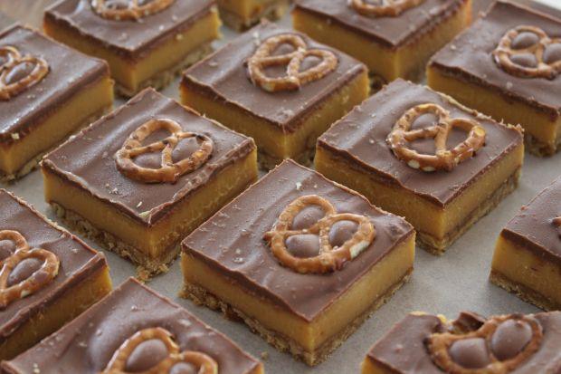 Pretzel Chocolate Caramel Slice – Caramel Covered Kitchen
