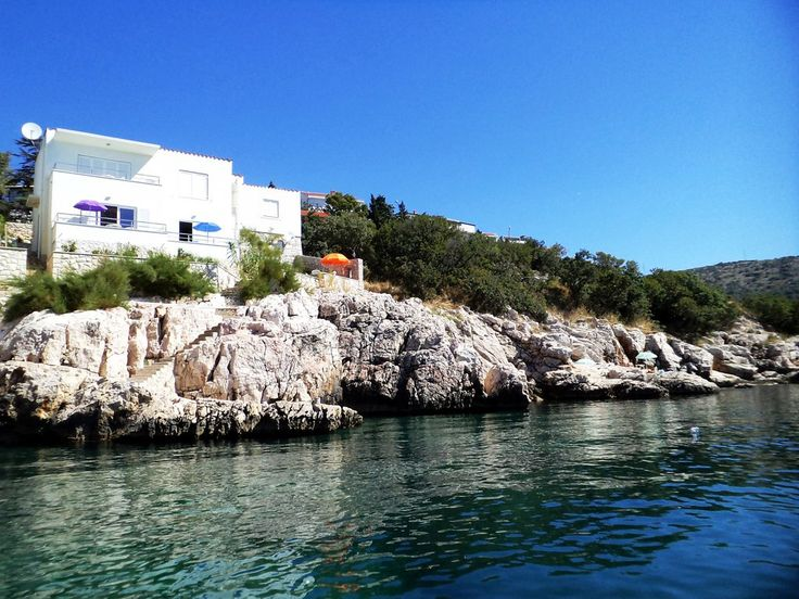 Accomodation for rent in Novi Vinodolski, Croatia, near to new yacht marina.