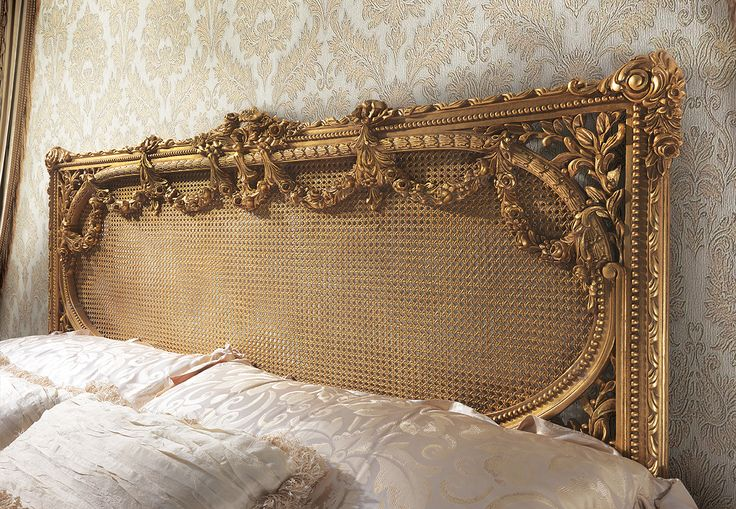 GABRIELI Headboard with gold leaf carvings