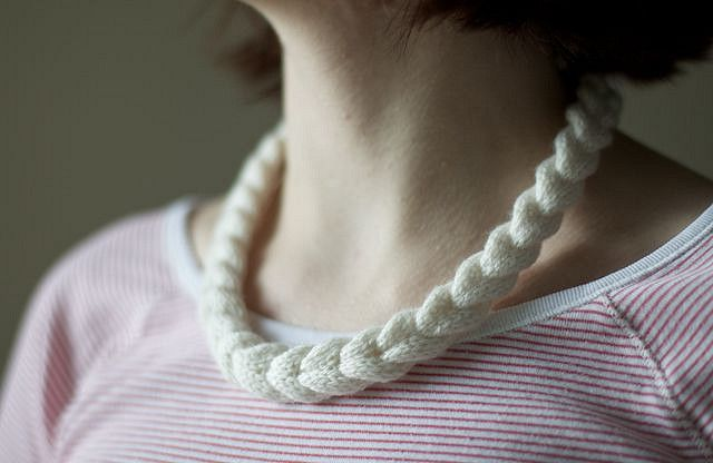 http://olgajazzy.com/cable-braided-necklace/