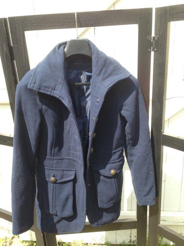 Manteau d'hiver bleu Only  Only ! Taille 34 / 6 / XS  à seulement 15.00 €. Par ici : http://www.vinted.fr/mode-femmes/manteaux-dhiver/38505687-manteau-dhiver-bleu-only.