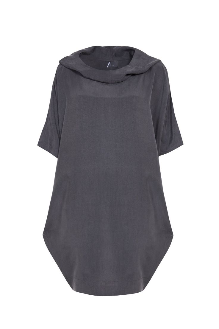 Jarosław Ewert, jarosław e w e r t classic, aw2015, grey tunic with hood. To download high or low resolution product images view Mondrianista.com (editorial use only).