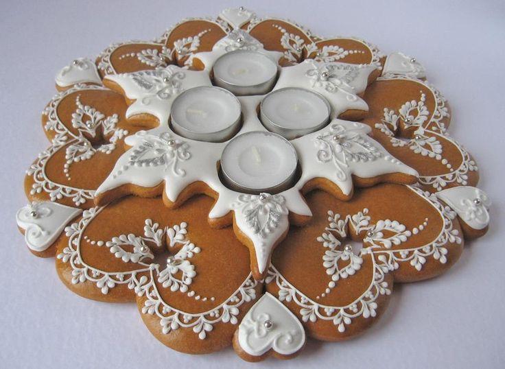 fabulous gingerbread centerpiece!