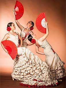 Baleares tiene desde hoy una nueva compañía de danza española. Los profesores del Conservatorio de Palma José Cabrera y Beatriz Lora.