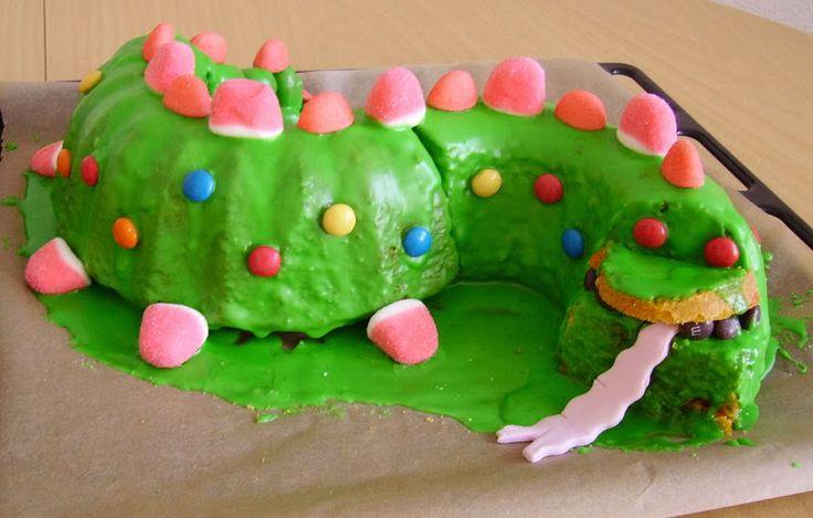 Drachenkuchen für den Kindergeburtstag   Die Grundidee ist klasse, die Optik lässt sich verbessern.