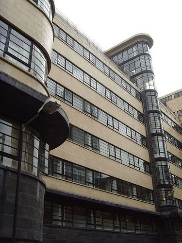 Ibex Building 1937: London art deco   por mermaid99