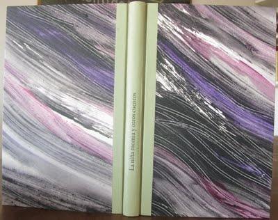 Media tela con papel pintado a mano.