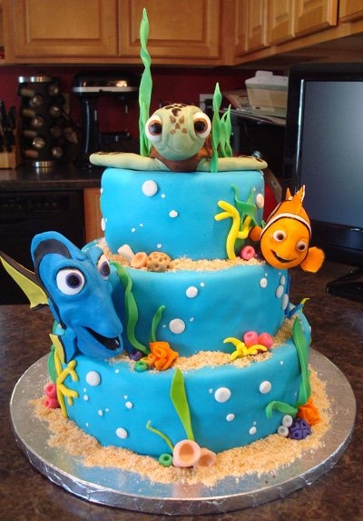 MOST AMAZING BIRTHDAY CAKE EVER. I DON'T CARE HOW YOUNG THIS MAY MAKE ME LOOK BUT I WANT IT MADE FOR ME FOR MY NEXT BIRTHDAY. I FREAKING LOVE FINDING NEMO