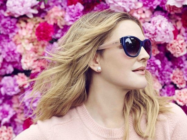 Drew Barrymore is a true jack of all trades. Already a successful actress, author, and beauty maven, she can now add another accomplishment to her impressive résumé of achievements — Drew Barrymore is launching a line of eyewear, thereby officially p…
