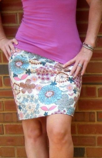 If you want a new piece in your wardrobe and have a half-hour to spare, there's no reason not to try this Simple 15 Minute Skirt. True to the name, it will only take you a fraction of an hour to make a skirt this cute.