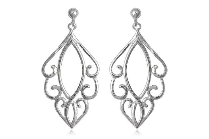 Cercei lungi din argint 92.5% cu model super de inspiratie orientala. http://www.lafemmecoquette.ro/cercei-orientali-din-argint/