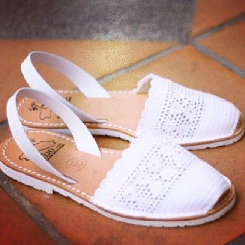 Cute pair of handcrafted Menorca Sandals in Chic Ibiza Blanco (size 37) for sale at $80 (OBO). It's chic, comfy and durable (sole is made of car tyre!) Interested, please SMS to 98754719. #sale #selling #sellingsg #sellingonline #sellingshoes #lasambuca #shoes #MIBO