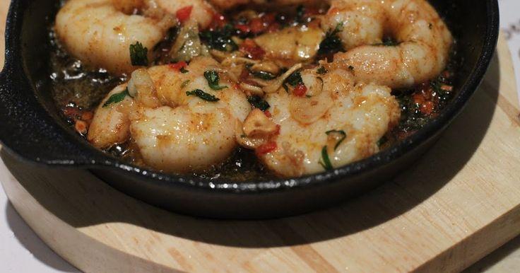 Gambas al Pil Pil, ofwel garnalen in knoflook en chili olie, is een heerlijk Zuid Spaans gerecht dat je in vrijwel alle restaurants aan...