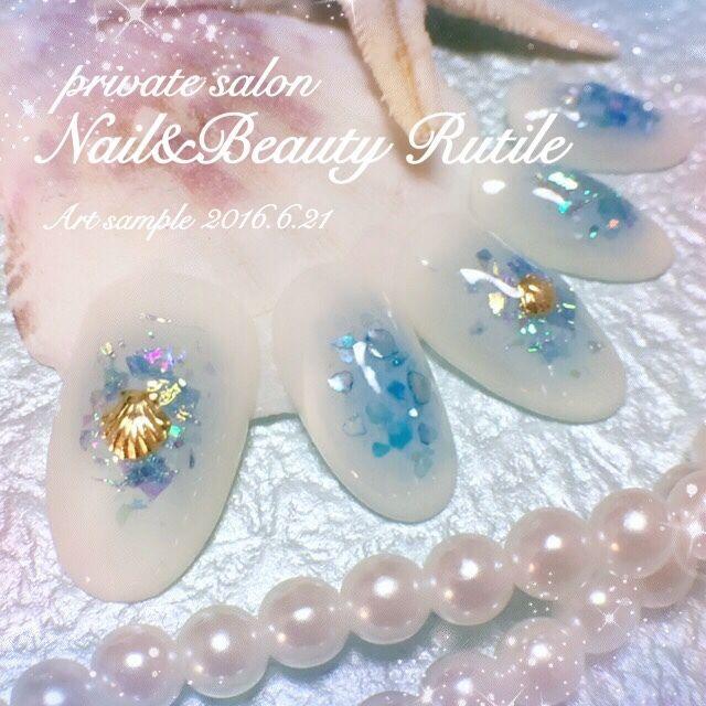 ネイル 画像 Nail&Beauty Rutile 札幌 1620938 青 白 シェル チーク ホログラム 夏 海 リゾート 梅雨 ハンド ロング