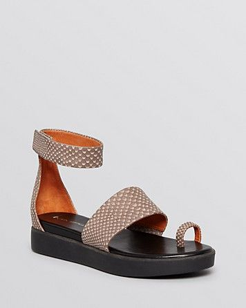 Zappos Shoes Womens Toe Ring Sandals Black