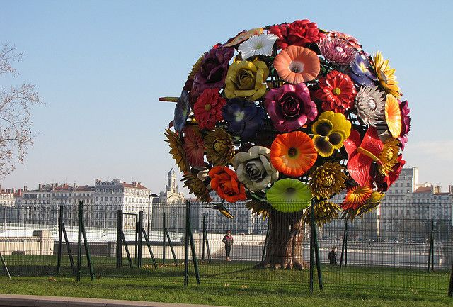 Flower tree #art #tree in Lyon, artist unknown?!