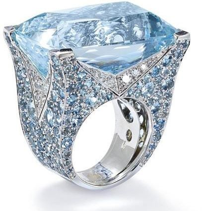An aquamarine and diamond ring, by Vita