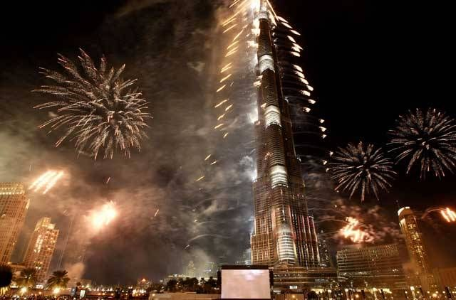 Dubai New Year 2014 Fireworks Display Pics (World Record for Largest Fireworks Display ever)