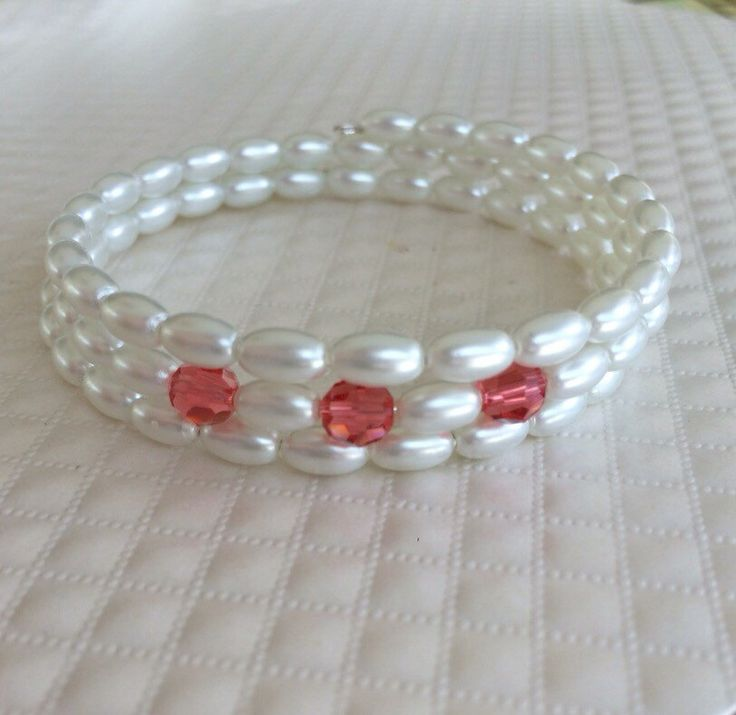 Memory Wire Pearl Bracelet by PearlsByPatJewelry on Etsy https://www.etsy.com/listing/261586959/memory-wire-pearl-bracelet