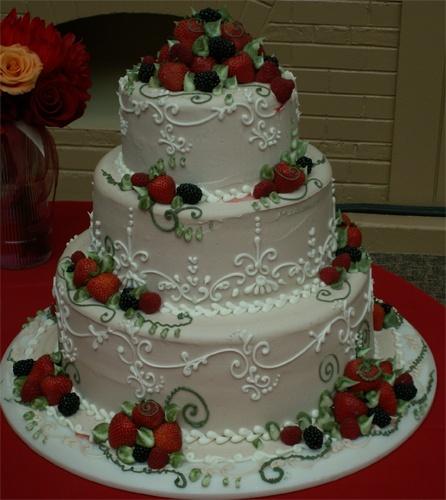 Buttercream cake filigree art