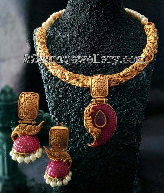 Antique Style Imitation Necklaces