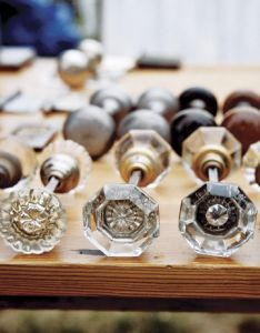 These glass door knobs are perfect for knife rests on the most elegant table!