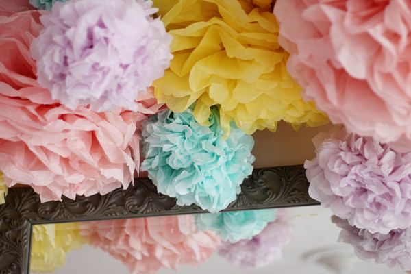 Poms....so cute for baby showers!: Cheap Diy, Tissue Poms, Tissue Paper Flowers, Paper Poms, Diy Craft, Diy Deco, Pretty Tissue, Crepe Paper